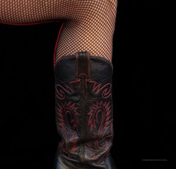 fishnetboot-photo-by-tobias-english